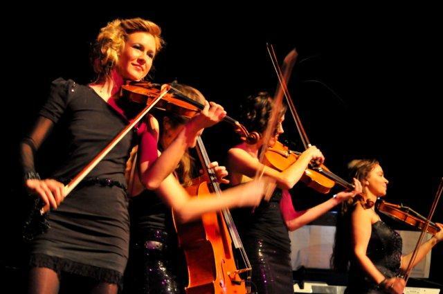 La Finesse als Show Act beim Benefiz-Konzert in der Stadthalle Aschaffenburg März 2014